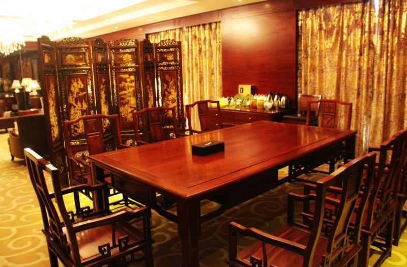21F總統套房餐桌