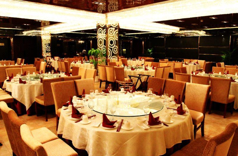 二楼藕舫厅(中餐厅)