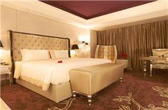 European Queen Room