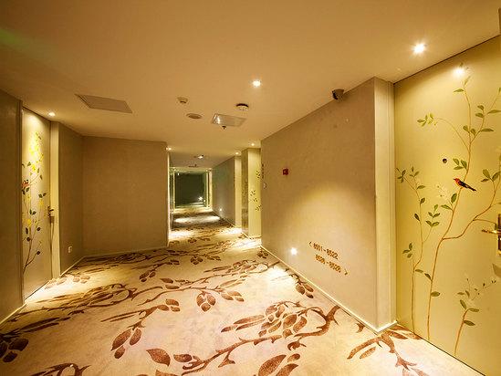 走廊(鳥語花香風格)