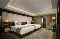 Classical Twin Beds Room