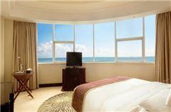 Deluxe Ocean-view Queen Room