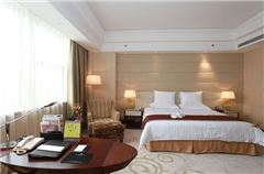 Supeior City-view Queen Room