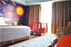 Space Journey Family Thematic Room