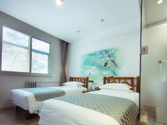 Time Standard Room