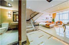 Multi-level Executive Triple Suite