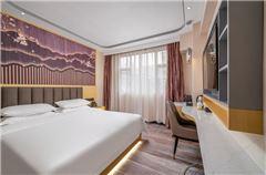 Lizhi Queen Room