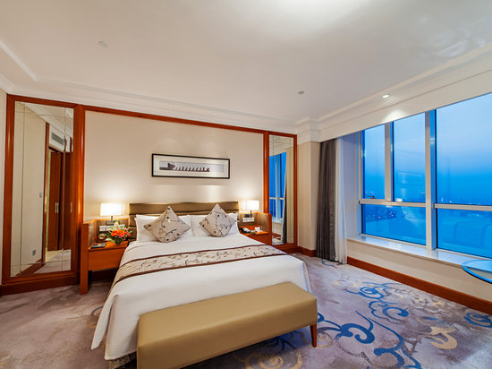 Deluxe River-view Room