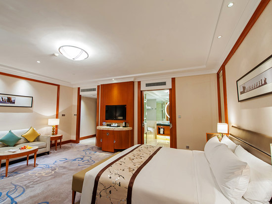 Executive Deluxe River-view Room