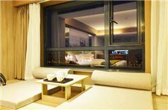 Wooden Panoramic Queen Room