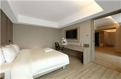 Wooden Panoramic Suite