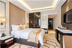 Executive River-view Queen Room