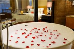 Lover Thematic Room