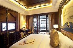 Queen Room C