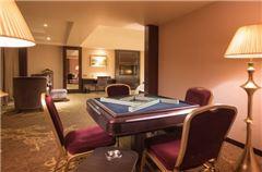 Style Queen Room