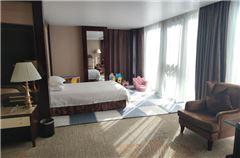 Huibin building Deluxe Family Room