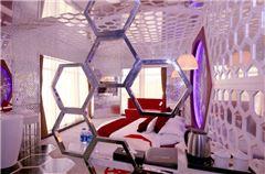 Honeycomb theme room