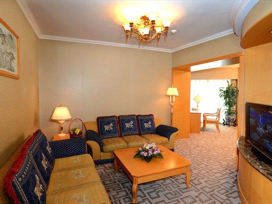 Deluxe Grand Suite