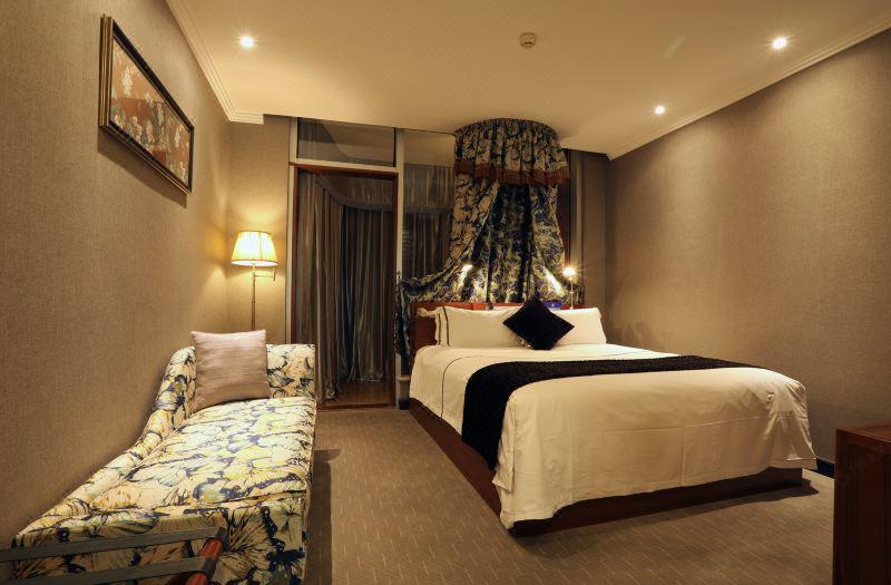 Lady Exclusive Queen Room