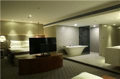 River-view Executive Deluxe Suit