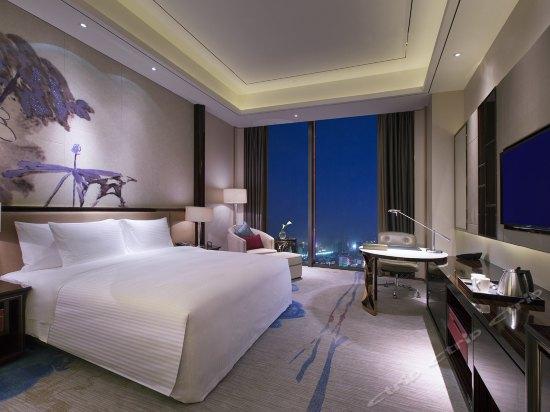 高级豪华大床房
