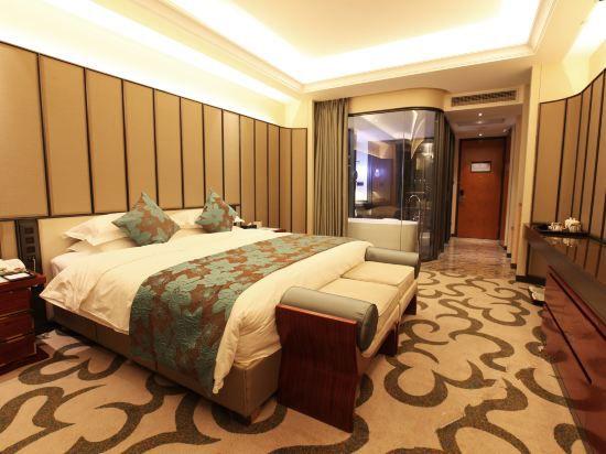 Western Trade Super Deluxe Queen Room