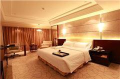 Western Trade Deluxe Queen Room