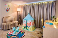 Rural Thematic Family Queen Room
