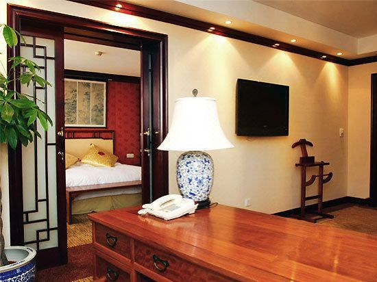 Western-style Superior Suite