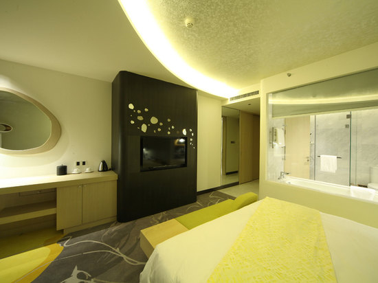Arc-shaped Deluxe Room