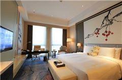Superior Deluxe Panoramic  Queen  Room