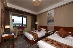 Lake-view Twin Room