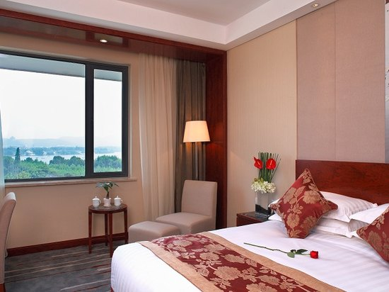 Lake-view Room