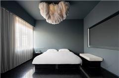 漂浮大床房