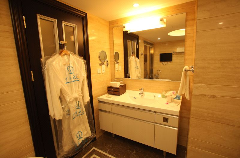 Deluxe Large Suite