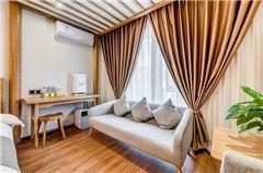 滿屋陽光軟臥沙發家庭房