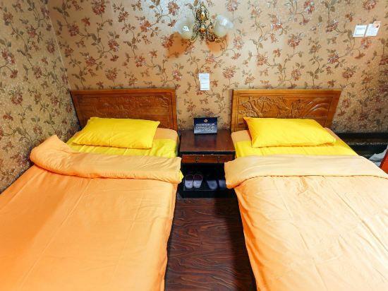Gege Ta Room