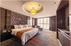 Business Queen Suite