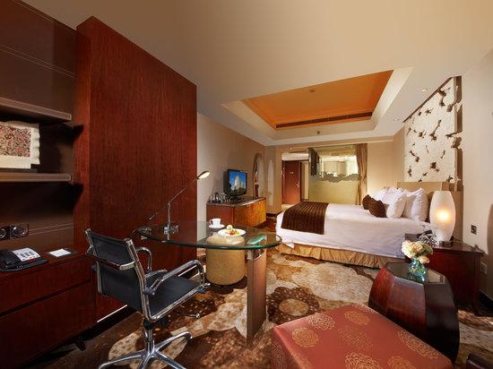 Prestige Club Executive Deluxe Queen Room