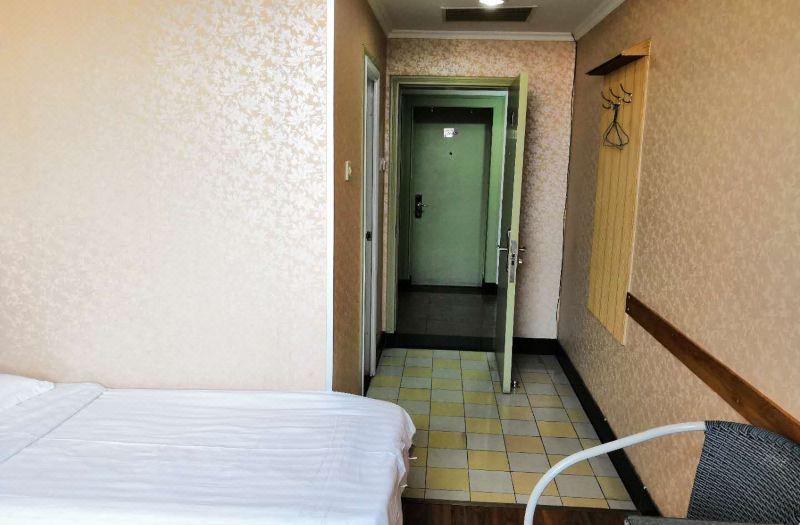 簡約大床房