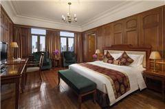 Classical Panoramic Room