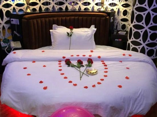 Romantic Round-bed Room
