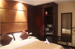 Executive Queen Suite