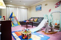 超級飛俠主題兩室一廳套房