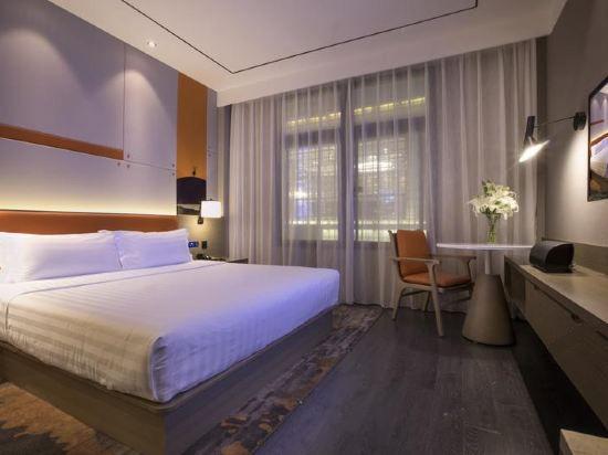 现代主义豪华大床房