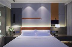 现代主义大床房