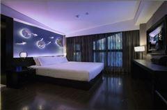 荷塘月色大床房