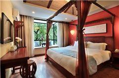 Honeymoon Queen Room