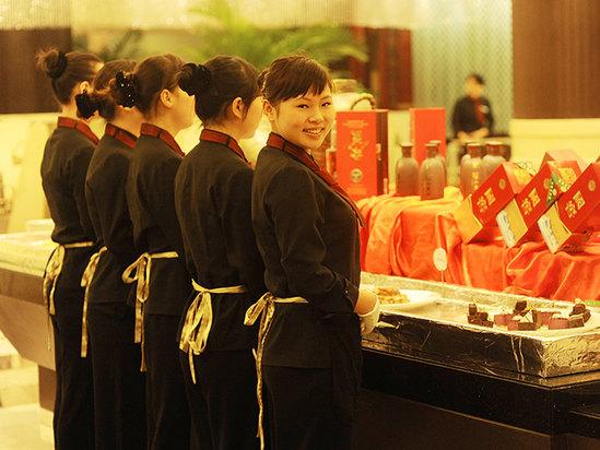 中餐服務員 微笑