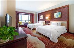 江畔双床房